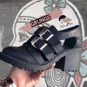 Grunge Closed Toe Lug Sole Booties